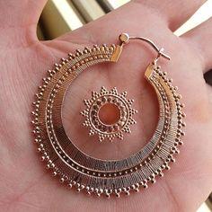 Tawapa  Afghan Classic Hoop and  Afghan Metal Eyelet in Rose Gold.<--I WAAAANNNT!!!!!!!