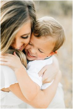 Mom And Baby Photography Discover Family Pictures mary keen Family Photography Family Portrait Poses, Family Picture Poses, Family Photo Outfits, Family Posing, Family Family, Beach Portraits, Picture Ideas, Mother Son Photography, Children Photography