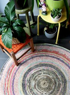 DIY: coil + crochet scrap fabric rug
