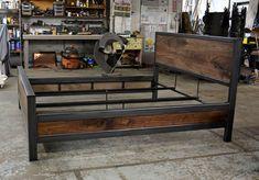 DIY Industrial Bed Frame Design Ideas For Inspiration Industrial Bed Frame, Cama Industrial, Vintage Industrial Furniture, Welded Furniture, Steel Furniture, Custom Furniture, Furniture Design, Cheap Furniture, Modern Furniture