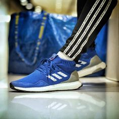 classic fit 56083 651fc adidas Consortium Ultra Boost Mid   Run thru Time  Zapatillas, Tenis,  Estilo,