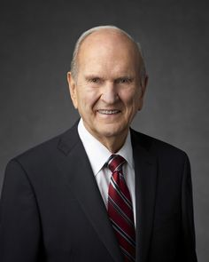 The official portrait of President Russell M. Nelson, President of The Church of Jesus Christ of Latter-day Saints. Lds Pictures, Church Pictures, Conference Talks, General Conference Quotes, Church News, Lds Church, Mormon Leader, Lds Apostles, Later Day Saints