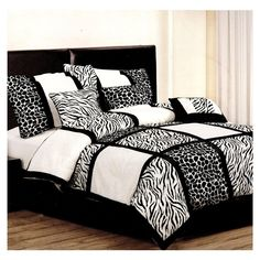 Safari Bedding Sets Queen Home Furniture Design King Comforter Sets, Queen Comforter Sets, Cheetah Print Bedding, White And Silver Bedroom, White Bed Covers, Bed Cover Design, Bedroom Colors, Bedroom Ideas, Scrappy Quilts