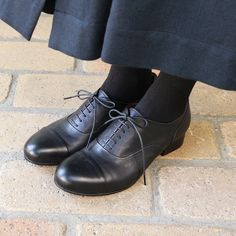 [Envelope online shop] Black lace ups / Straight chip shoes Lisette Shoes / Long skirt