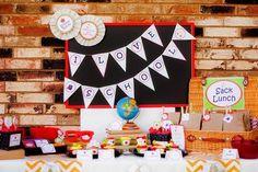 Una mesa divertida para una fiesta vuelta al cole / A fun table for a back-to-school party
