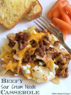 creamy chicken casserole If youre looking for a family favorite casserole, look no further! Beefy Sour Cream Noodle Casserole is cheesy, beefy and oh so delicious! King Ranch Chicken Casserole, Beef Casserole, Casserole Recipes, Potato Casserole, Casserole Dishes, Beef Dishes, Pasta Dishes, Ground Beef Recipes, Hamburger Recipes