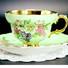Vintage Cups, Vintage Dishes, Vintage Tea, Tea Cup Set, Tea Cup Saucer, Tea Sets, Teapots And Cups, Teacups, Cuppa Tea