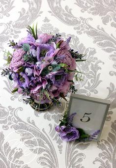 Lila esküvői aztaldísz