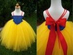 Snow White Costume Tulle Tutu Dress by JustaLittleSassShop on Etsy Tutu Diy, No Sew Tutu, Disney Tutu, Snow White Tutu, Snow White Costume, White Tulle, Tulle Costumes, Diy Costumes, Costume Dress