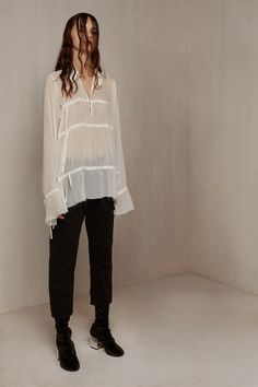 MM6 Maison Margiela Pre-Fall 2016 Collection Photos - Vogue  nice blouse, but that hair is TRAGIC