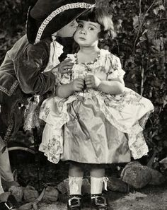 Diana Serra Cary (born October 26 best known as Baby Peggy was one of the three major American child stars of the Hollywood silent movie era along with Jackie Coogan and Baby Marie. She is one of the few surviving actors of the silent film era stars. Silent Screen Stars, Silent Film Stars, Movie Stars, Vintage Hollywood, Classic Hollywood, Russian Wedding, American Children, Child Actors, Old Movies