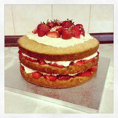 Strawberry & White Chocolate Cake with a hint of Orange #Strawberry #Baking #Fruity #Cake