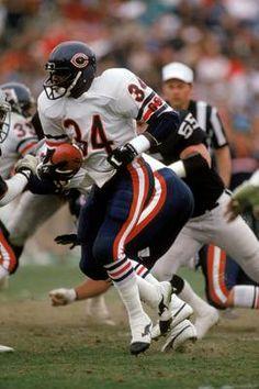 027 Walter Payton - American Football Running Back NFL Poster Nfl Bears, Bears Football, 1985 Chicago Bears, Nfl Football Players, Sport Football, Football Cards, Football Memes, Nba, Walter Payton