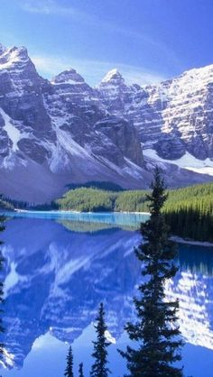 There is something about mountains, i can't resist ;)  Moraine Lake in Banff National Park
