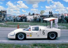 Mike Spence in the Chaparral 2F that he shared with Jim Hall for the 1967 Sebring 12Hrs.