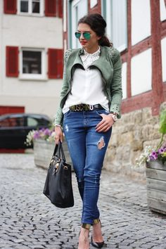 jacket: Lookbokstore // blouse: Zara // pants: Oasis // belt: Moschino // sunnies: Ray-Ban // bag: Prada //  watch: Michael Kors // pumps: Guess by Marciano via Sarenza