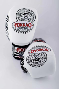 Boxing gloves in Maui white by Yokkao