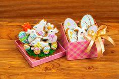 dd1bf68c3ed Receita de Biscoito Glaceado de Páscoa. As crianças amam biscoitos e adoram  ajudar na hora