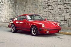 Vintage_Porsche_911_4