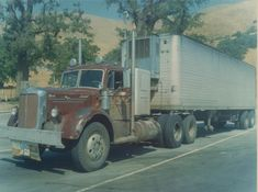 Two-stack Mack with Alcoa wheels. Scan of an I purchased thirty years ago. Old Mack Trucks, Big Rig Trucks, Pickup Trucks, Semi Trucks, Antique Trucks, Vintage Trucks, Alcoa Wheels, Custom Big Rigs, Bmw Series