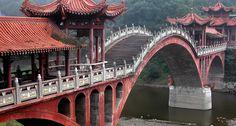 Bridge leading to the Giant Buddha, Lèshān 乐山, China — November 24, 2004