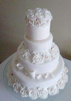 Rose and Bow and Pearl Bling Wedding Cakes, Wedding Cake Roses, Wedding Cake Photos, Amazing Wedding Cakes, Wedding Cakes With Cupcakes, White Wedding Cakes, Elegant Wedding Cakes, Wedding Cake Designs, Cupcake Cakes