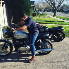 Testing out The Woodsman after some major surgery yesterday. #triumph #bonneville #getlost #woodsman