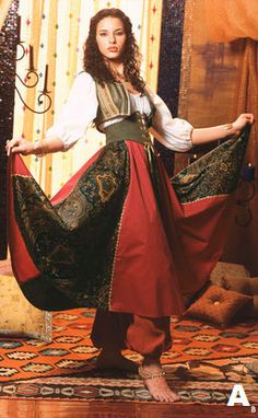 Gypsy Skirt Renaissance Medieval Pirate Fairy by LunaFioreCostumes