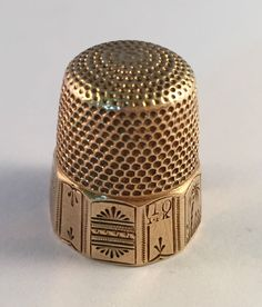Vintage 14k Gold #10 Thimble Beautiful Etched Design