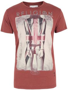 Religion Union Jack Tattoo Cardinal Red T-Shirt Union Jack Tattoo, Religion Clothing, Tee Shirts, Tees, Menswear, Mens Fashion, My Style, Tattoos, Lion