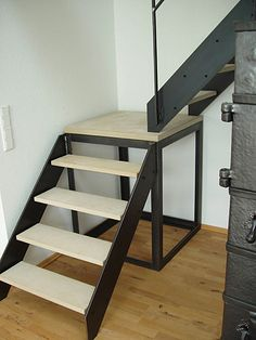 Escaleras Spiral Stairs Design, Home Stairs Design, House Design, Tiny House Stairs, Loft Stairs, Steel Stairs, Small Space Staircase, Building Stairs, Wooden Staircases