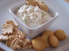 Cake Batter Cracker Dip: 1 package (about 18 Oz. Size) Cake Mix, Any Flavor cup Plain Yogurt 2 cups Whipped Topping combine all ingreidents together & let chill in fridge at least 1 hour prior to serving. Dessert Dips, Köstliche Desserts, Delicious Desserts, Dessert Recipes, Yummy Food, Cake Recipes, Dip Recipes, Appetizer Recipes, Sweet Recipes