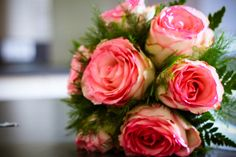 Bouquet de la mariée, rond, roses anciennes et feuillage, Wedding planner Normandie www.mariagedanslair.com