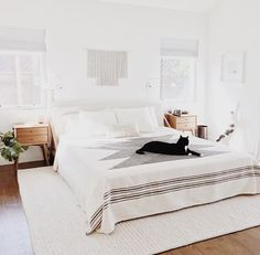 Love the bedding, rug and nightstands