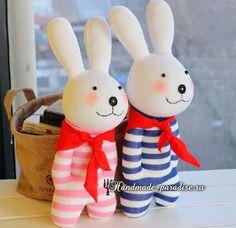 Man kann ein Kaninchen aus Socken nähen. Diese Beschäftigung ist sehr interessant und wird Ihnen und Kinder bestimmt gefallen. Viel Spaß!