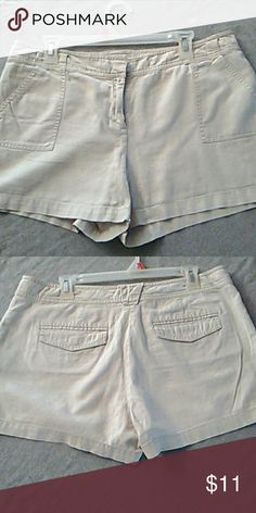 Shorts Cotton& linen blend, good condition New York & Company Shorts