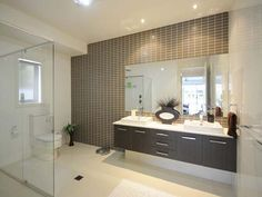 Modern bathroom design with built-in shelving using ceramic whole wall feature tile- Bathroom Photo 201406 Modern Bathroom Paint, Bathroom Photos, Classic Bathroom, Simple Bathroom, Bathroom Ideas, Bathroom Designs, Budget Bathroom, Narrow Bathroom, Ikea Bathroom