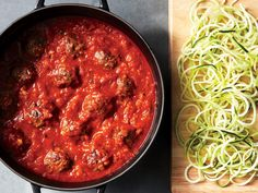 Make spaghetti and meatballs a little healthier by replacing a portion of the pasta noodles with spiralized zucchini noodles. Healthy Comfort Food, Healthy Cooking, Healthy Eating, Cooking Ham, Cooking Beets, Cooking Rice, Beef Recipes, Healthy Recipes, Skinny Recipes