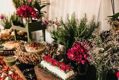 Poliana e Gustavo | Um mini wedding romântico e boho para te inspirar Boho Chic, Naked Cakes, Table Decorations, Mini, Furniture, Home Decor, Pie Wedding Cake, Decorating Tips, Weddings