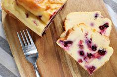 Jogurtowiec z owocami - prosty przepis na fit ciasto jogurtowe z owocami Healthy Sweets, Healthy Recipes, Healthy Food, Menu, Ice Cream, Pudding, Cake, Desserts, Fitness Inspiration