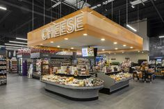Longo's opens Canada's first sustainable grocery store Blog Design, Store Design, Supermarket Design, Retail Merchandising, Store Displays, Retail Design, Grocery Store, Signage, Shopping