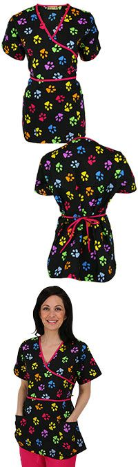 ssstylish throwon! perfect for any vetry/medical professional :)Rainbow Paw Scrub Top at The Animal Rescue Site