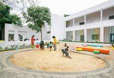 Escuela Ekya en Kanakapura Road / CollectiveProject