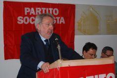 Il Sen. Enrico Buemi durante il suo intervento al Congresso del Partito Socialista di Alessandria.
