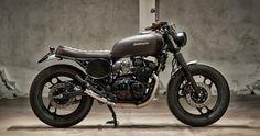 Yamaha XJ 600                             By   Motorecyclos
