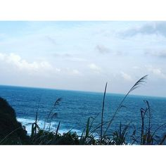 【chuanghui】さんのInstagramをピンしています。 《WTF!!!!!!!!!!!!!!!!!! #躁鬱症 #海 #天空好美 #beautiful #sea🌊 #北海岸 #鼻頭角步道 #鼻頭角海岸 #看海發呆》