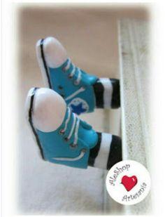 Bookmark feets