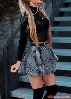 35 Fabulous Fall Women Outfits Ideas To Wear At School Outfits 2019 Outfits casual Outfits for moms Outfits for school Outfits for teen girls Outfits for work Outfits with hats Outfits women Cute Skirt Outfits, Cute Skirts, Cute Casual Outfits, Pretty Outfits, School Skirt Outfits, Beautiful Outfits, Casual Wear, Winter Fashion Outfits, Girly Outfits