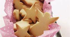 Εύκολα, λαχταριστά μπισκότα που ''μυρίζουν'' Χριστούγεννα. Αυτοσχεδιάστε με τα μπαχαρικά και αντικαταστήστε αν θέλετε το μοσχοκάρυδο με κανέλα..