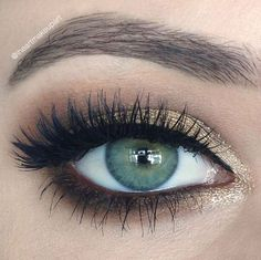 simple shadow for green eyes